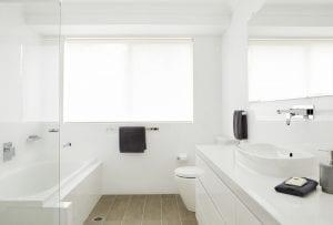 white bathroom lukes bathroom renovations sydney