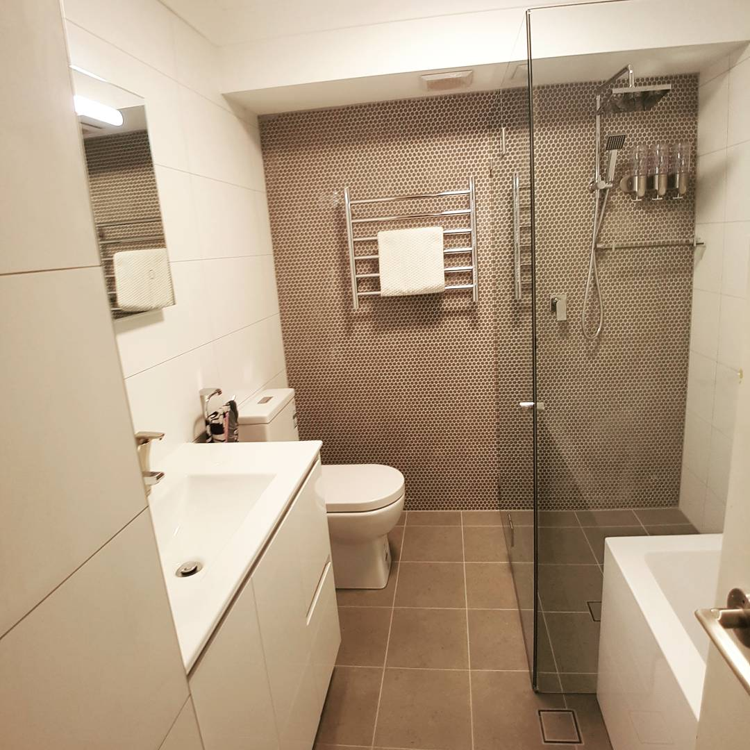 Bathroom renovation in woolloomooloo sydney for Bathroom remodelling sydney